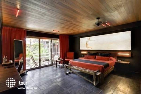 Reina Roja Hotel 6