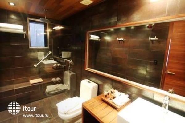 Reina Roja Hotel 7