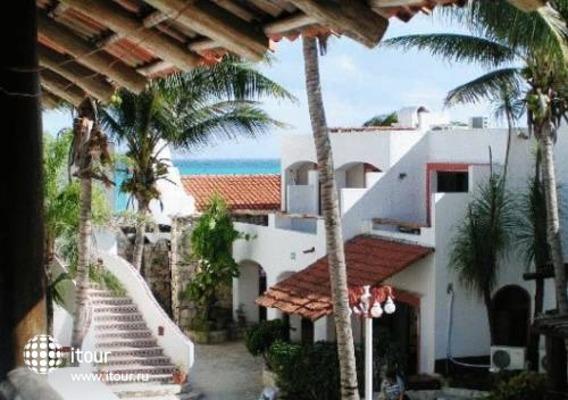 Pelicano Inn 1
