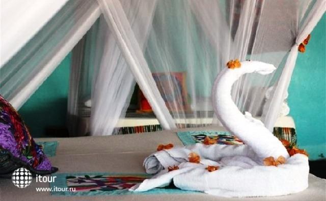 Hemingway Romantic Eco Resort 8