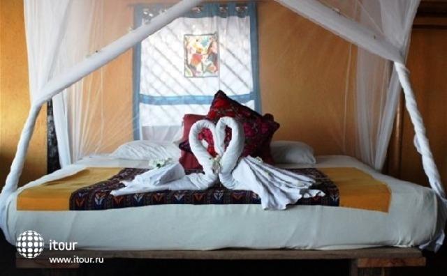 Hemingway Romantic Eco Resort 9