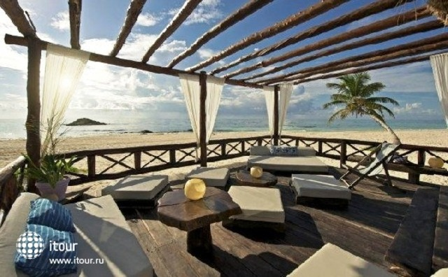Hemingway Romantic Eco Resort 2