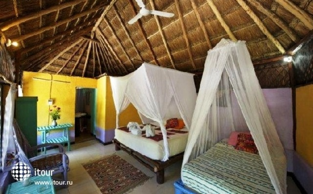 Hemingway Romantic Eco Resort 3