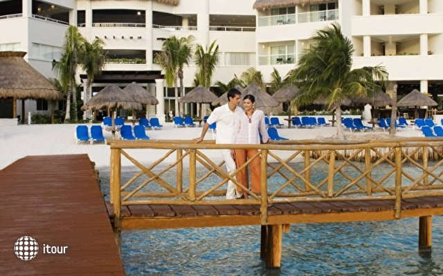 Isla Mujeres Palace Resort 4
