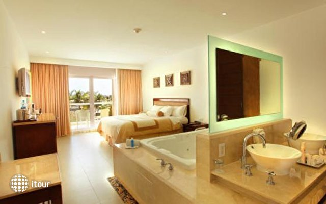 Isla Mujeres Palace Resort 8
