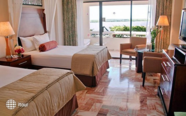 Omni Cancun Hotel & Villas 3