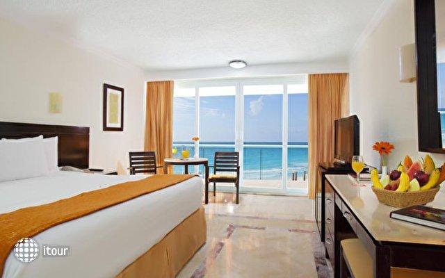 Krystal Cancun 6