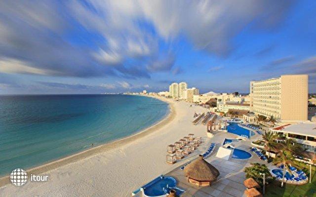 Krystal Cancun 1