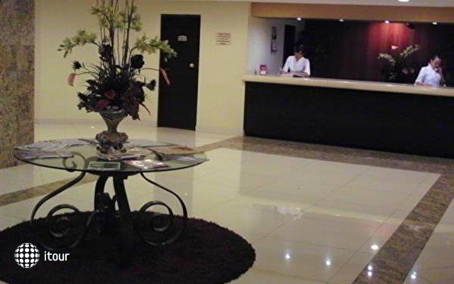 Holiday Inn Plaza Dali 8