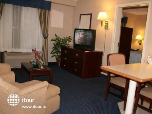 Hampton Inn & Suites By Hilton Monterrey - Norte 9