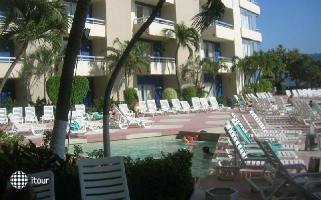 Playa Suites 6