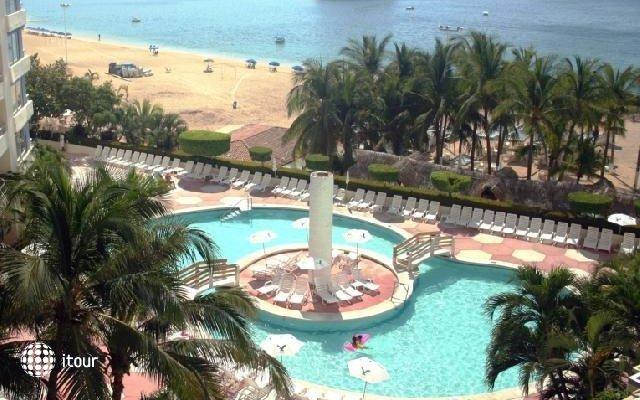 Playa Suites 8