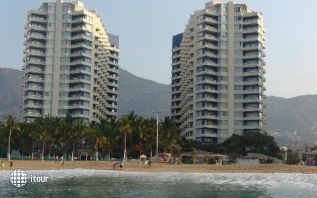 Playa Suites 1