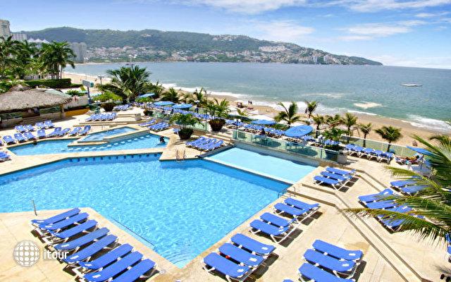 Copacabana Beach Acapulco 6