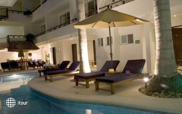 El Hotelito 1
