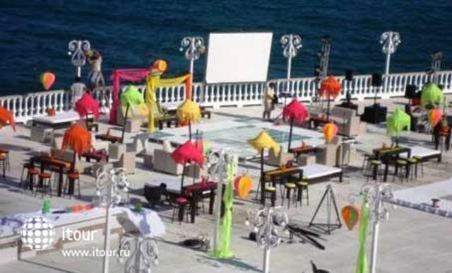 Maralisa Hotel & Beach Club 4