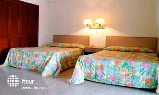 Maralisa Hotel & Beach Club 3