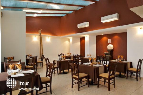 Plaza Pelicanos Club Beach Resort 4
