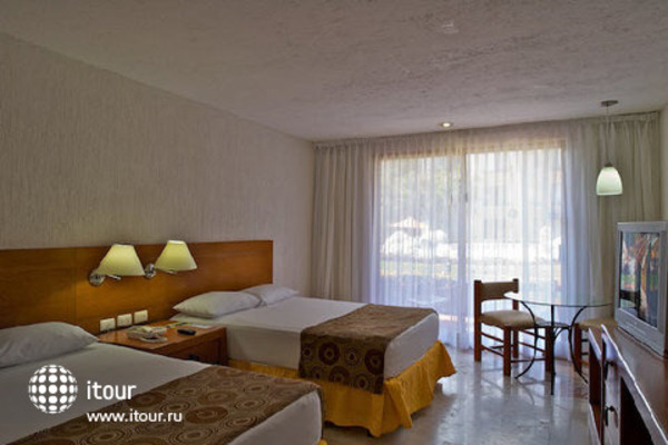 Plaza Pelicanos Club Beach Resort 5