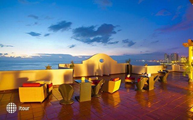 Plaza Pelicanos Grand Beach Resort 9