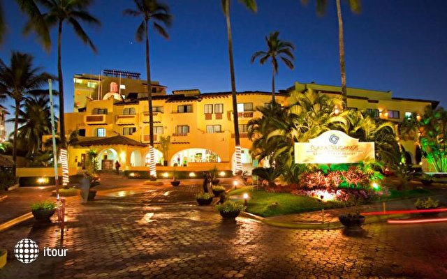 Plaza Pelicanos Grand Beach Resort 1