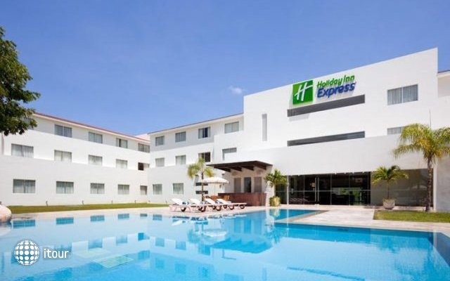 Holiday Inn Express Playacar Riviera Maya 4