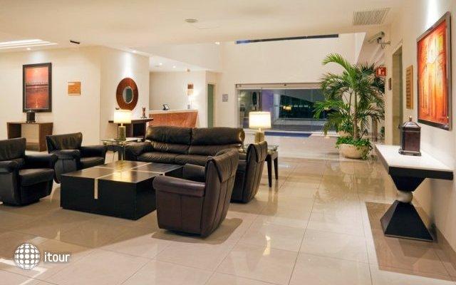 Holiday Inn Express Playacar Riviera Maya 9