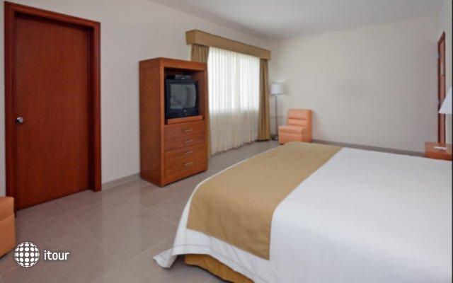 Holiday Inn Express Playacar Riviera Maya 3