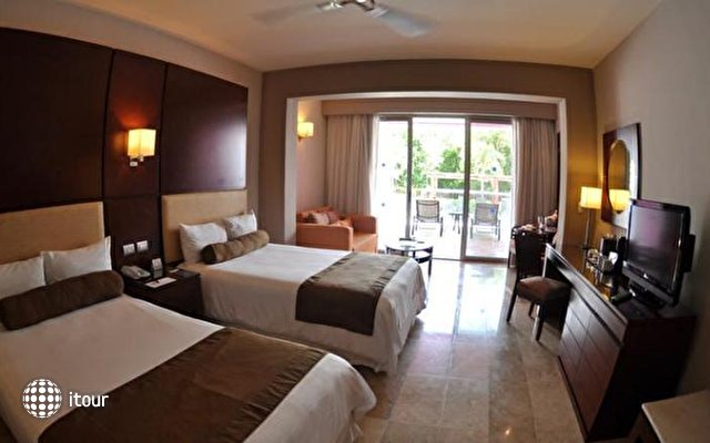 Platinum Yucatan Princess All Suites & Spa Resort 9