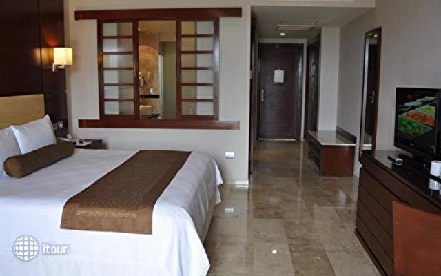 Platinum Yucatan Princess All Suites & Spa Resort 10
