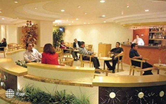 Aranzazu Plaza Kristal Hotel 3