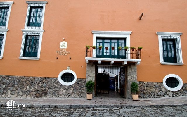 Best Western Hotel Monteverde Express 4