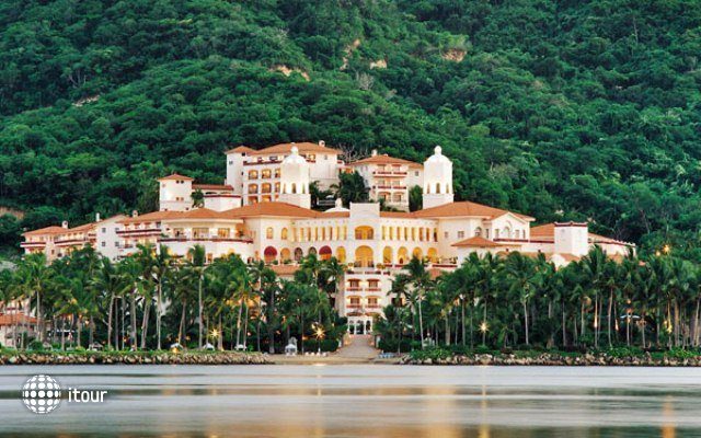 Wyndham Grand Isla Navidad Resort 1