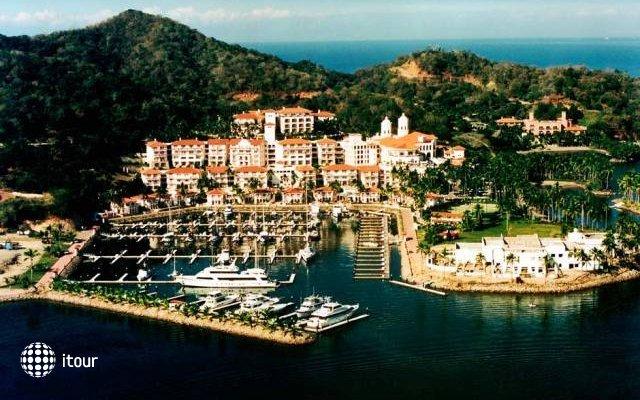 Wyndham Grand Isla Navidad Resort 4