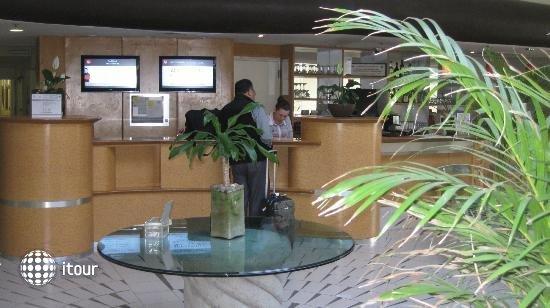 Ibis Monterrey Aeropuerto 6
