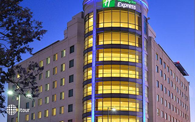 Holiday Inn Express Puebla 2