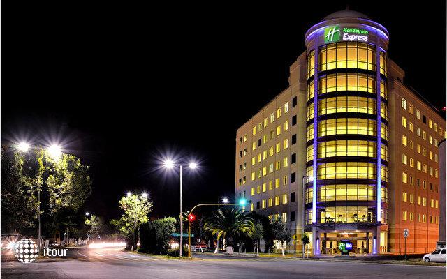 Holiday Inn Express Puebla 1