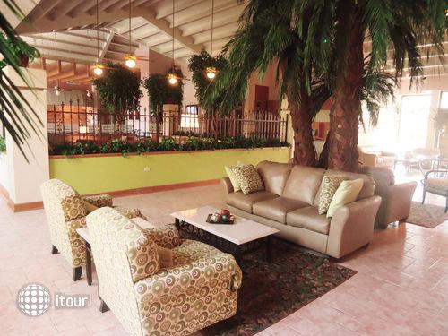 Holiday Inn Express Chihuahua 8