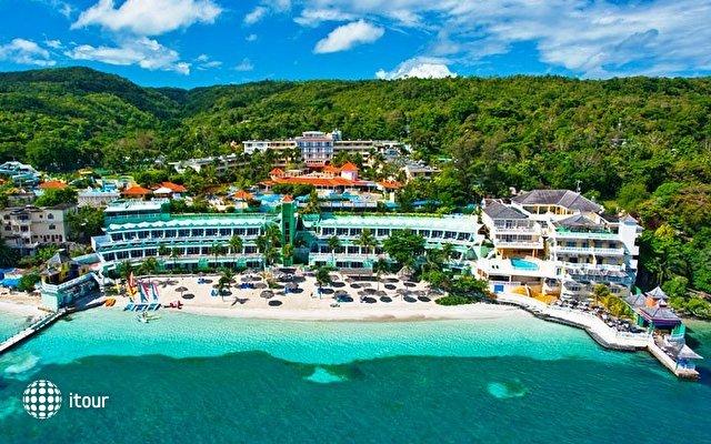 Beaches Ocho Rios Resort & Golf Club (ex. Beaches Boscobel Resort & Golf Club) 4