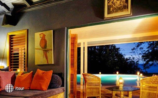 Goldeneye  Hotel 20