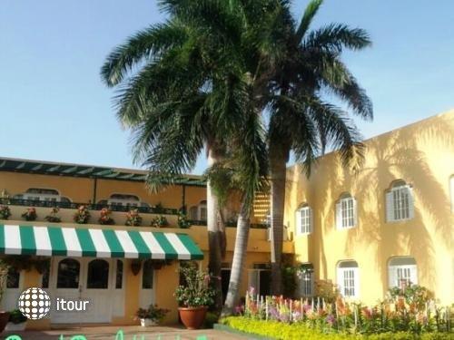 Royal Reef Hotel 1