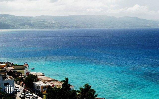 El Greco Resort 9