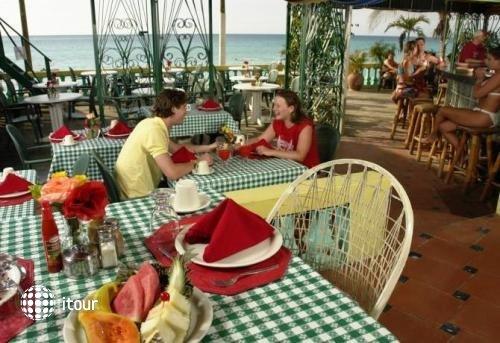Legends Beach Resort 9