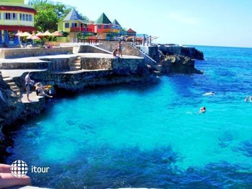Samsara Cliff Resort & Spa 1