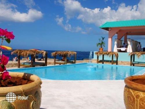 Samsara Cliff Resort & Spa 9