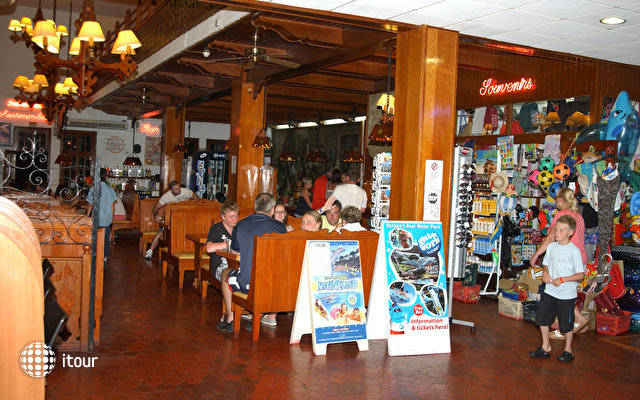 Santa Susanna Resort 6