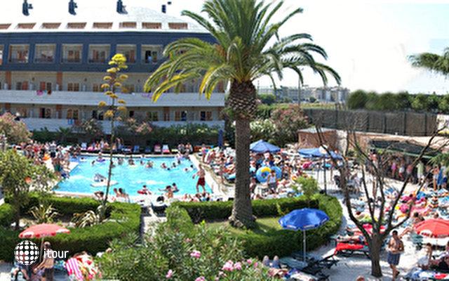 Santa Susanna Resort 2