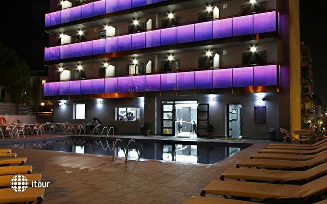 Summer Hotel 8