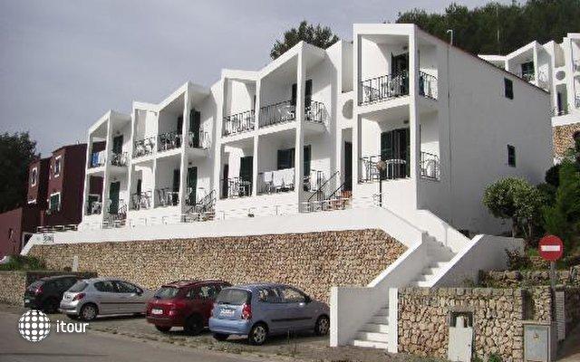 Apartments Desmais 8