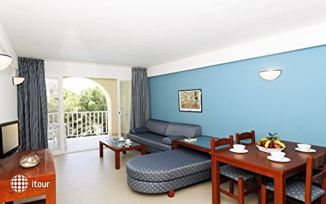 Aparthotel Floramar 3